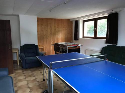 Tischtennis in der Unterkunft Franz Berg Apartman Greimerath oder in der Nähe