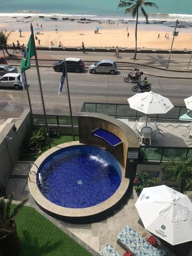 A view of the pool at Hotel Golden Park Recife Boa Viagem or nearby