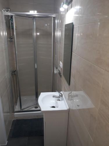 A bathroom at ESTUDIO MY PEOPLE