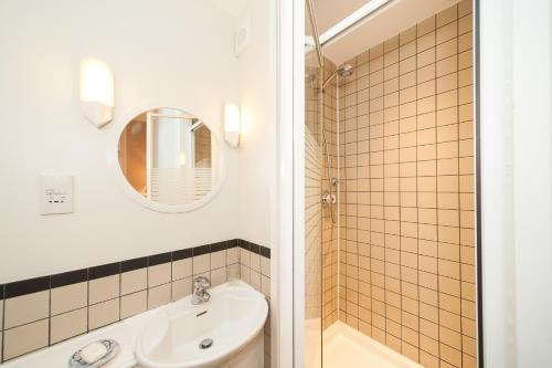 A bathroom at Tryon - SW3