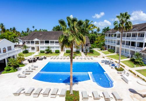 A view of the pool at Albachiara Hotel - Las Terrenas or nearby