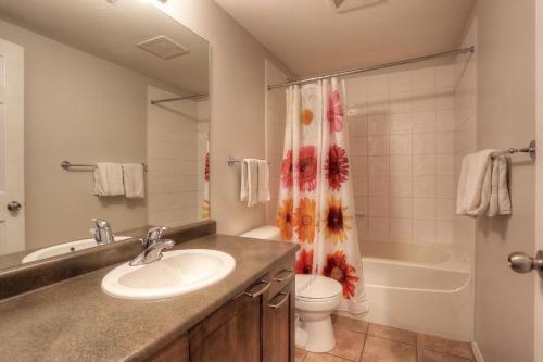 Un baño de Apartment Discovery Bay
