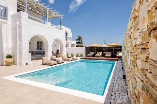 The swimming pool at or near Villa Vanta