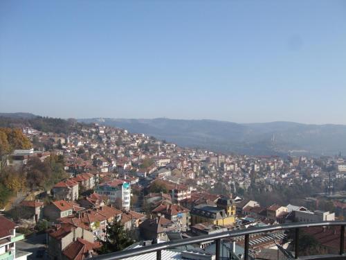 Гледка от птичи поглед на Veliko Tarnovo Apartments