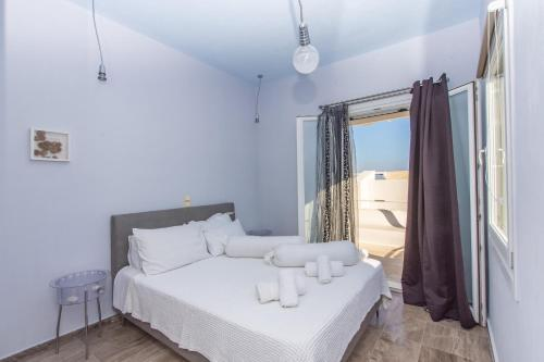 A bed or beds in a room at Super Rockies Villas