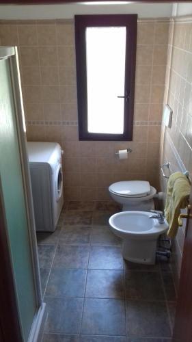 A bathroom at Case Vacanze Corongiu