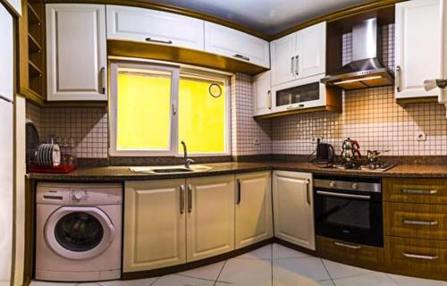 مطبخ أو مطبخ صغير في شقق لونا