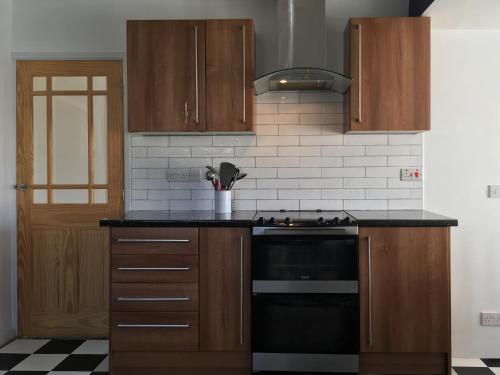 A kitchen or kitchenette at Sunnymead