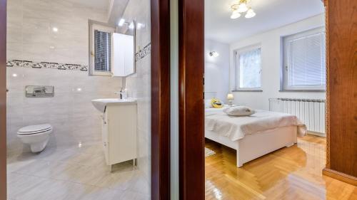 Kúpeľňa v ubytovaní Central Apartment Smiley - FREE PARKING
