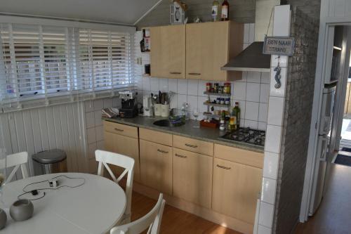 A kitchen or kitchenette at Riviera Marielle