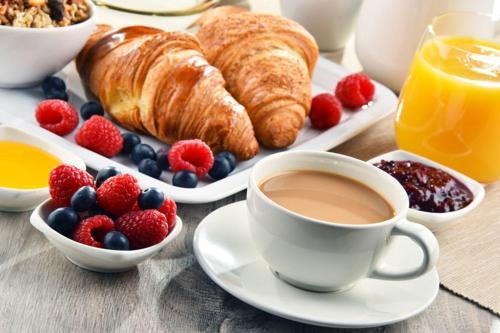 Breakfast options available to guests at Casa Soraya