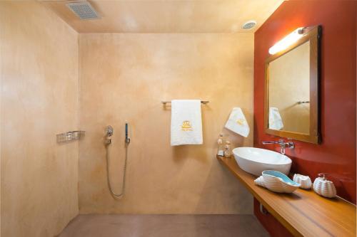 Ein Badezimmer in der Unterkunft Villa Eftihia in Lindos
