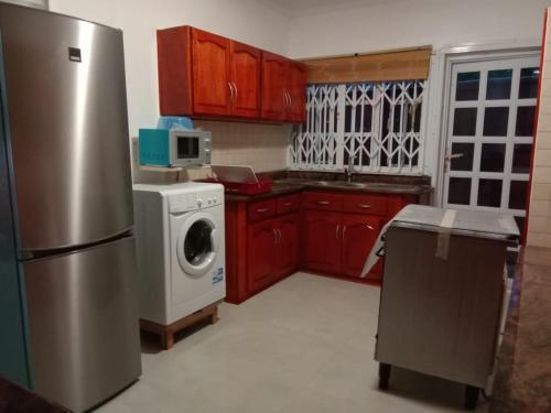 O bucătărie sau chicinetă la Beau Vallon Villa Apartments
