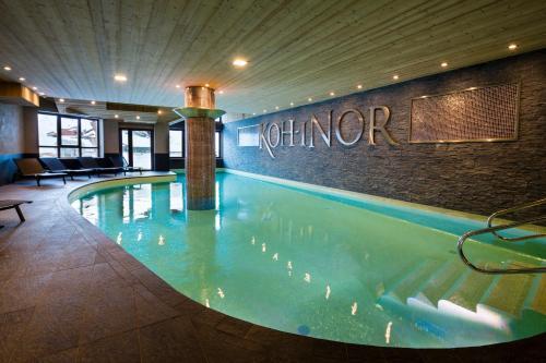 Πισίνα στο ή κοντά στο Chalet des Neiges Koh-i Nor