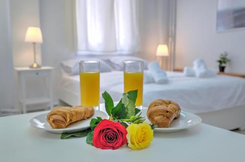 Breakfast options available to guests at Studio Under Acropolis