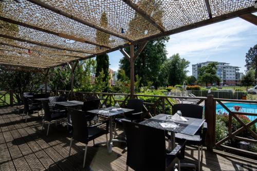 Ресторан / где поесть в Zenitude Hôtel-Résidences Le Parc de l'Escale