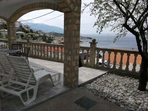 A balcony or terrace at Apartment Matija