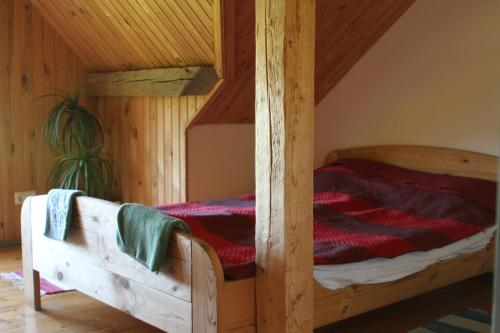 A bunk bed or bunk beds in a room at Denderi