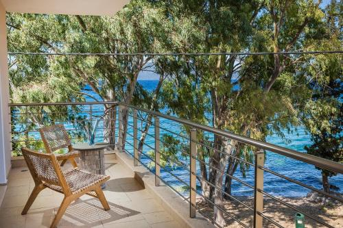 A balcony or terrace at Eucalyptus Apartments