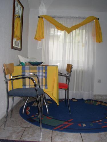Hostel 021
