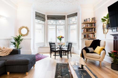 Stunning Victorian 1 Bed Apartment In Mayfair