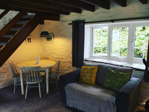 A seating area at Tresarran Cottages Cornwall