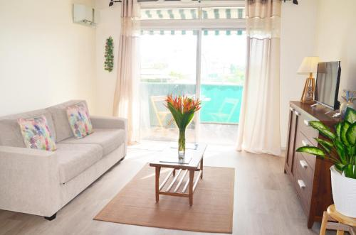 A seating area at Iaora Nani Residences