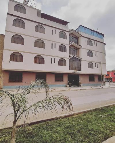 Hotel Roussean, San Vicente de Cañete, Peru - Booking.com