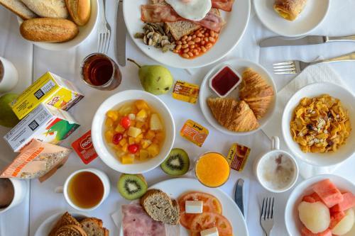 Ontbijt beschikbaar voor gasten van Hotel Apartamentos Lux Mar