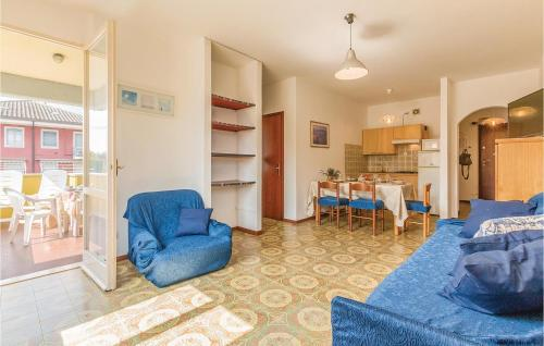 A seating area at One-Bedroom Apartment in Lugana di Sirmione BS