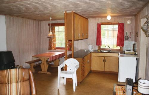 A kitchen or kitchenette at Holiday home Tingvatn Lokeli Hyttegrend Nr. III