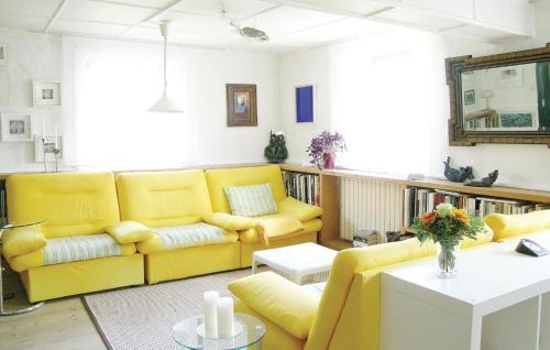 Coin salon dans l'établissement Holiday home Rue du Herrenberg