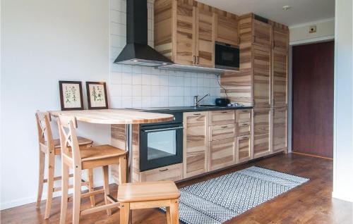 Nhà bếp/bếp nhỏ tại Studio Apartment in Farosund