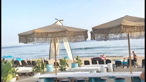MARBELLA BEACH . Luxury apartment by the sea