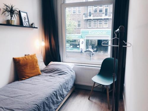 A bed or beds in a room at Light spacious apartment