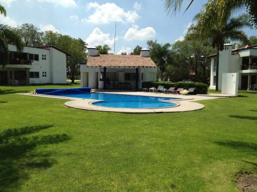 The swimming pool at or near Villas Balvanera FH
