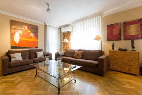 A seating area at Precioso piso Puerta del Angel, 2 dorm