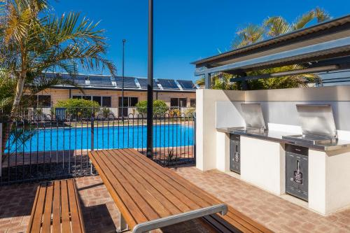 A view of the pool at Nesuto Geraldton (formerly Waldorf Geraldton Serviced Apartments) or nearby
