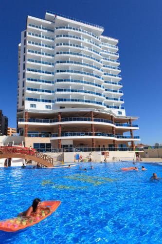 Бассейн в Diamond Hill Resort Hotel или поблизости