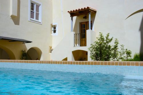 The swimming pool at or near Casa Morgado Esporao