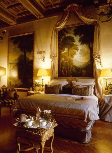 Letto o letti in una camera di Residenza Napoleone III