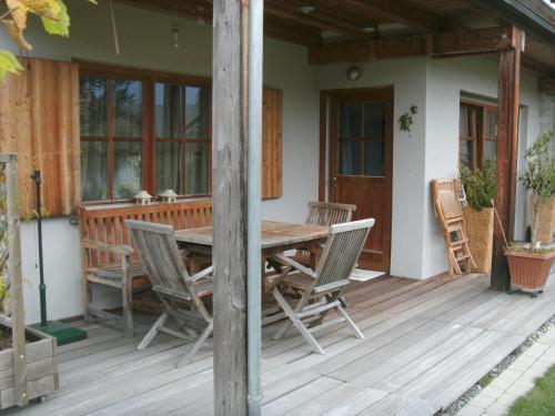 Balkón alebo terasa v ubytovaní Ferienwohnung Da Rugna