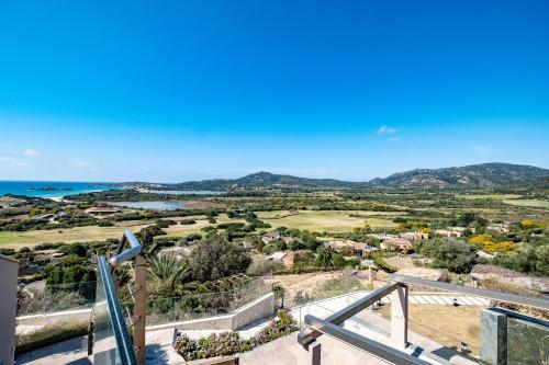 A bird's-eye view of Luxurious Dream Villa with breathtaking views
