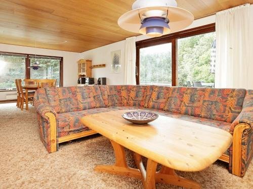 A seating area at Three-Bedroom Holiday home in Bindslev 6
