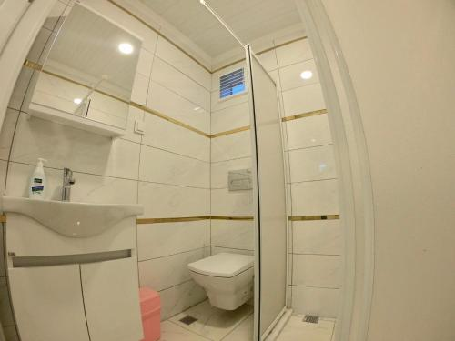 A bathroom at PASHA APART~BOUTİQUE HOTEL/YALOVA