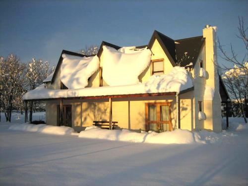 Whitestone Cottages during the winter
