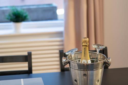 Getränke in der Unterkunft Luxury Marylebone Apartment, Baker Street