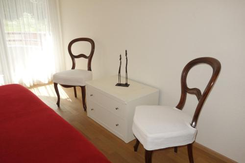A seating area at Exclusive Central Apartment