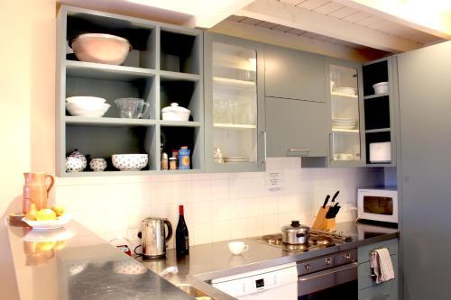 Kitchen o kitchenette sa Bruce Waterfront Apartments