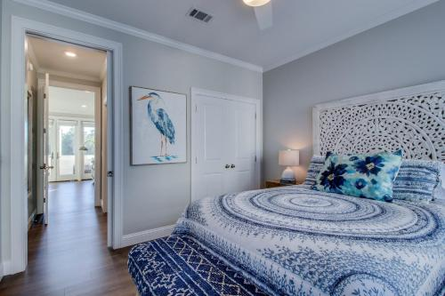 A bed or beds in a room at Seahorse Villa